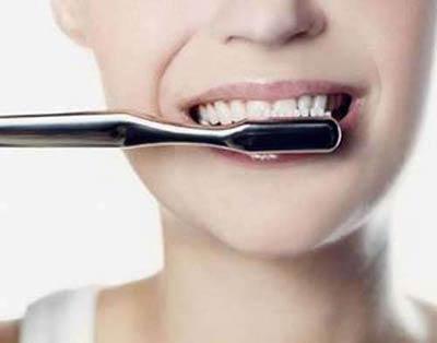 想拥有一口健康洁白的牙齿吗?