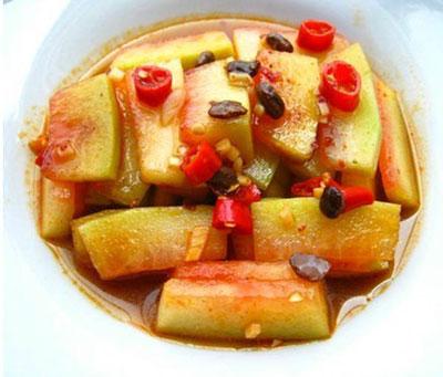 西瓜皮超级养生吃法,清热解暑又有美容功效!