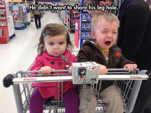 孩子的世界伴随傻钝的哭声,搞笑的表情