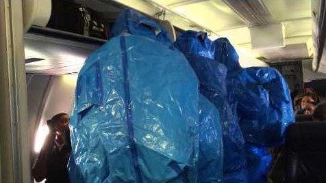 不作不死:一黑人在飞机上说自己得了埃博拉