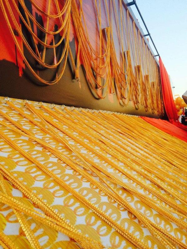 土豪!迪拜打造五千米长的黄金链子