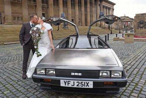 新人双双踩钢丝结婚?盘点国外的奇葩婚礼(图)