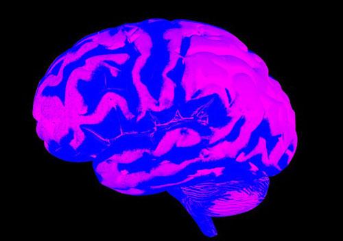 巴西男子接受脑瘤摘除手术时弹吉他 以方便医生观察其大脑情况
