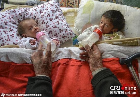 土耳其85岁老人再当爹 获双胞胎成15个孩子父亲