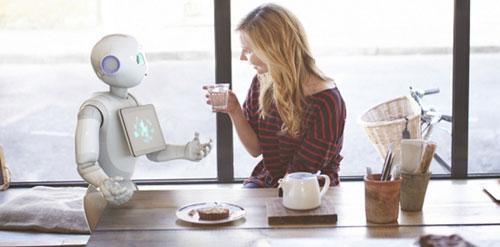 """阿里携富士康14亿布局""""情感机器人"""""""