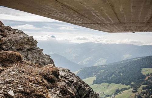 意大利登山家在山顶建高山博物馆 参观得先爬2286米