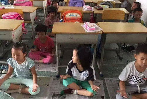 广东小学生用打坐代替午睡 校长自称已练20年