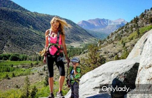 赢在起跑线!美国2岁背包客已经去过40个洲