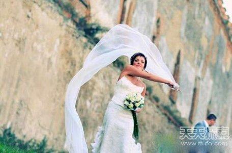 奇葩婚俗曝光:中国云南姑娘嫁的越多越有钱