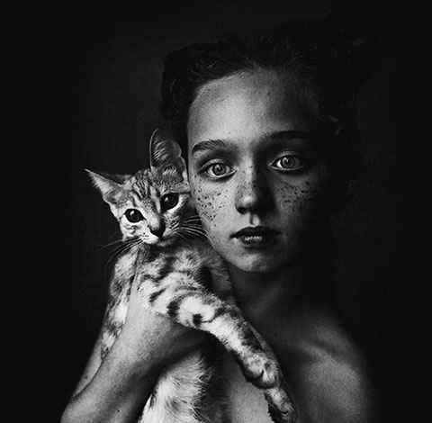以孩子与动物为主题的国际摄影比赛 一等奖作品感人