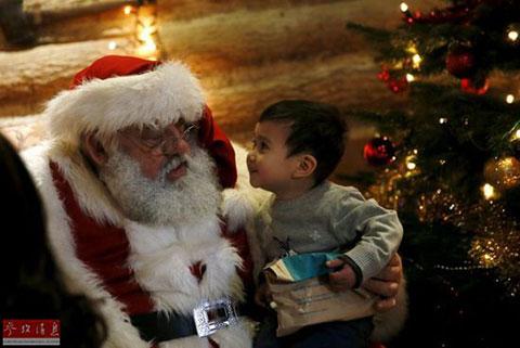 平安夜,圣诞老人送礼物啰!
