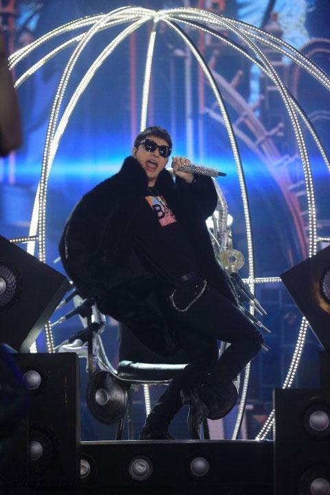 """尴尬癌犯了!""""巡山王""""贾乃亮唱BIGBANG神曲 网友喊话没听懂"""
