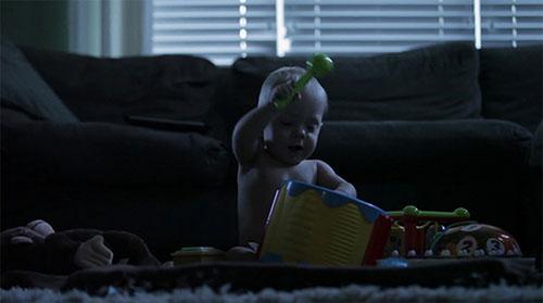 生命的奇迹:巴掌大的早产儿长成萌宝宝
