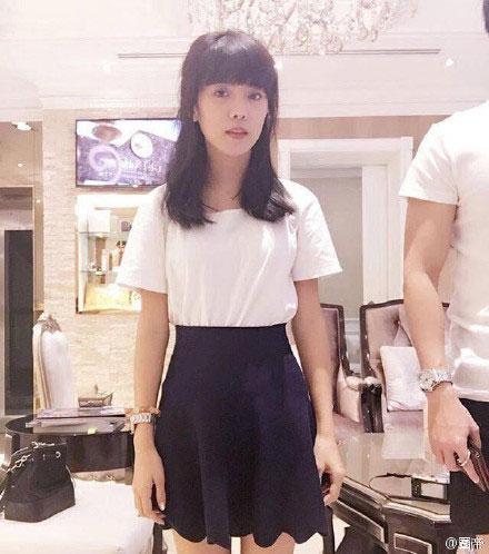 泰国女孩撞脸鹿晗 网友惊叹这分明是鹿晗带了假发套