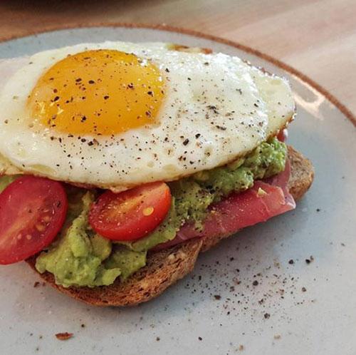 想要A4腰吗?看看名模们是怎么吃早餐的