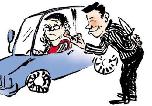 女孩坐出租车住酒店需要知道的安全常识