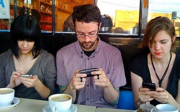 患有手机依赖症的几个外在现象,你都中招了吗?