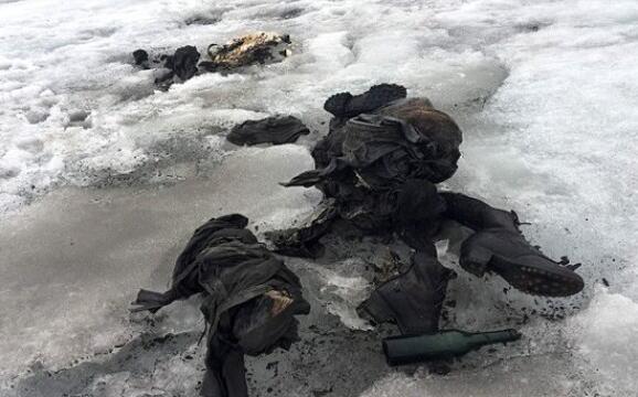 夫妻沉睡75年 冰川中发现遗体保存完好如初